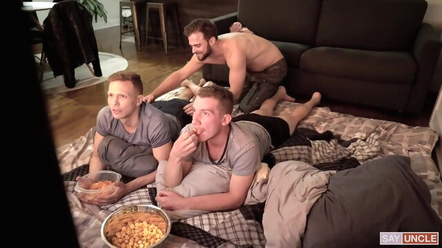 THREESOME bareback gay blowjob videos