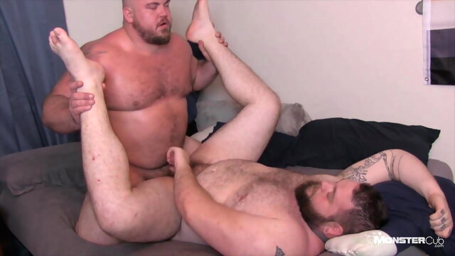 Hot Chub Bear Fucked.. bareback gay bear videos