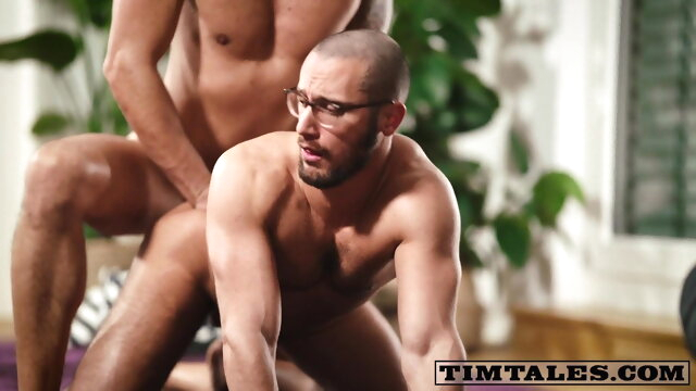 TT - Gaucho fucks.. bareback gay big cock videos