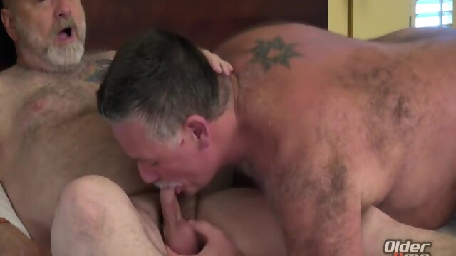 Patrick And Will Pound.. bareback gay bear videos